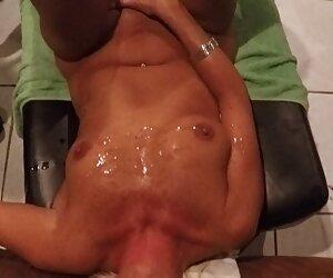 ibu melatih anak perempuan memukul. cerita seks jilbab terbaru