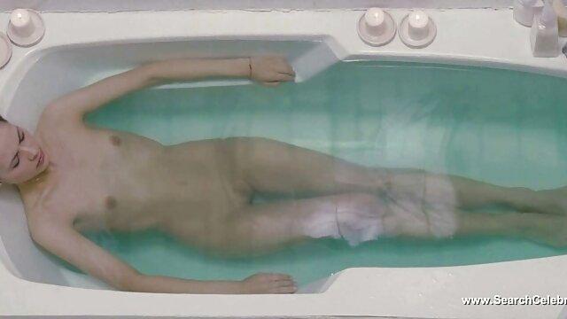 Lana Kendrick punya webcam, siap untuk pemanasan cerita seks tante terbaru siang hari dengan payudaranya.