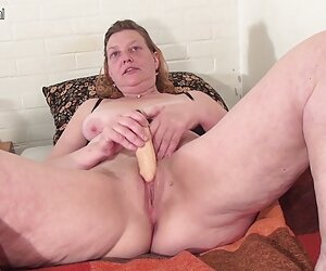 Katie cerita sex dewasa terbaru St. Ives menunjukan tubuh sempurna masturbasi ZOLO.