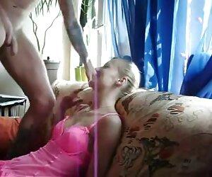 pijat dan menikmati keuntungan dari cerita seks selingkuh nikmat pelanggan