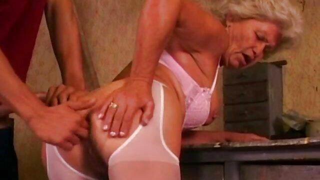 Mia dan Mia cerita dewasa seks terbaru Reese di kaus kaki surga