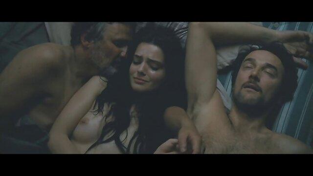 Kelsey Shay menunjukkan payudara pada fotografi Majalah Playboy cerita sex terbaru terpanas