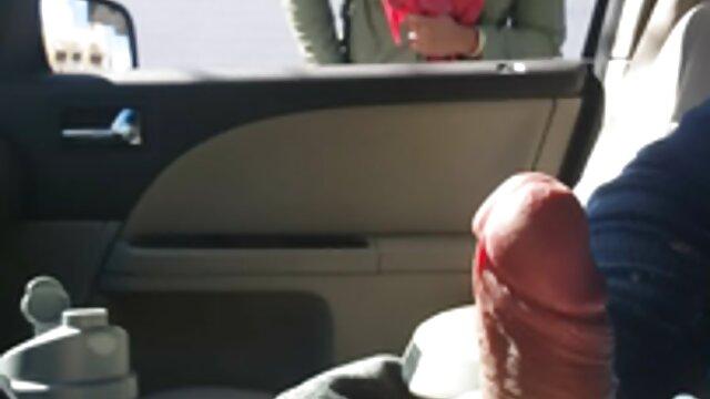Ibu menyerahkan vagina anaknya. cerita seks jilbab terbaru