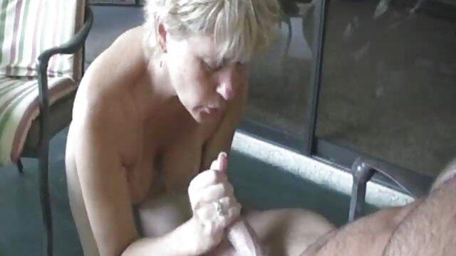 Latina riding cerita seks selingkuh nikmat in a rooster